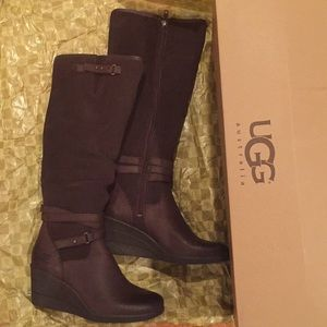 3ea3cfe3308 UGG Australia Authentic NEW, LESLEY Leather Suede NWT